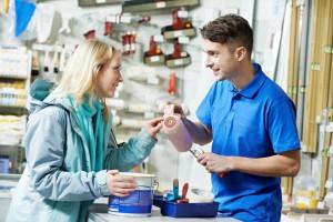 Fachkompetente Beratung im Baumarkt